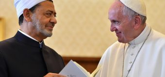 Le pape François se rend en Égypte pour renouer le dialogue avec l'islam