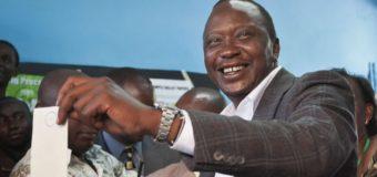 Kenya: Uhuru Kenyatta officiellement réélu, des émeutes éclatent