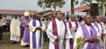 Prêtres de Kinshasa aux dirigeants de la RDC: « A vous les armes et à Dieu la victoire »