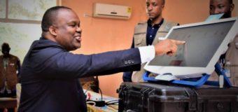 RDC: l'utilisation de la machine à voter vivement critiquée par des ONG argentines