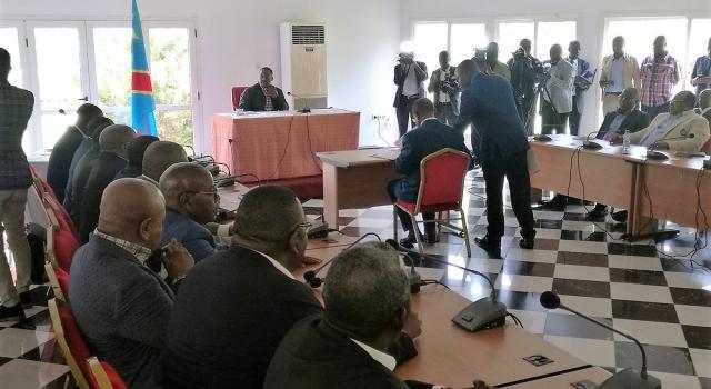 RDC: Joseph Kabila fait signer un acte de fidélité aux membres du FCC