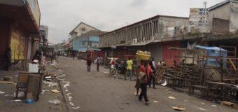 Panique au marché central de Kinshasa après une attaque par des hommes armés